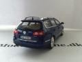 VW Passat Variant 2005 Modelbil - Minichamps