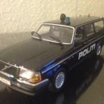 1986 Volvo 240 Stc. Dansk Politi Modelbil