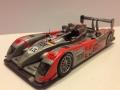 AUDI R10TDI No.15. Le Mans 2010. Christian Bakkerud – Christijan Albers – Oliver Jarvis. Placering 32. Modelbil - IXO